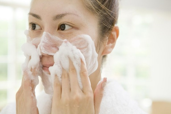 cleaning-skincare